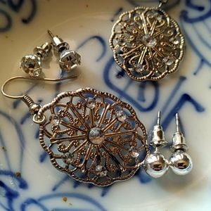 Jewelry - earring sets